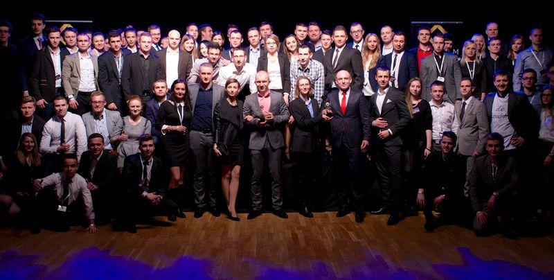 Ekipa Darka Holeniewskigo podczas MBA 2014