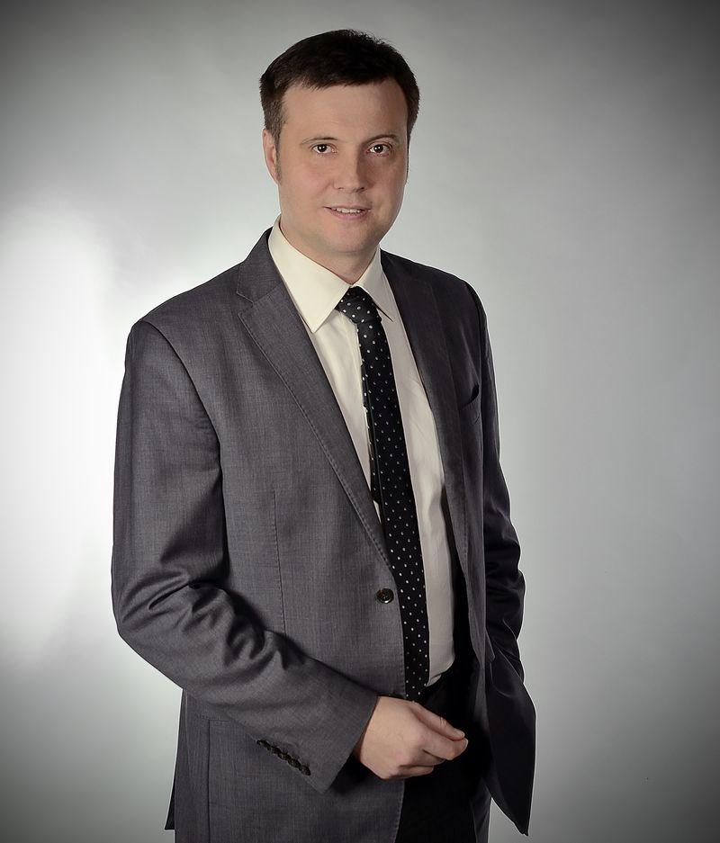 Dr Maciej Waszczyk