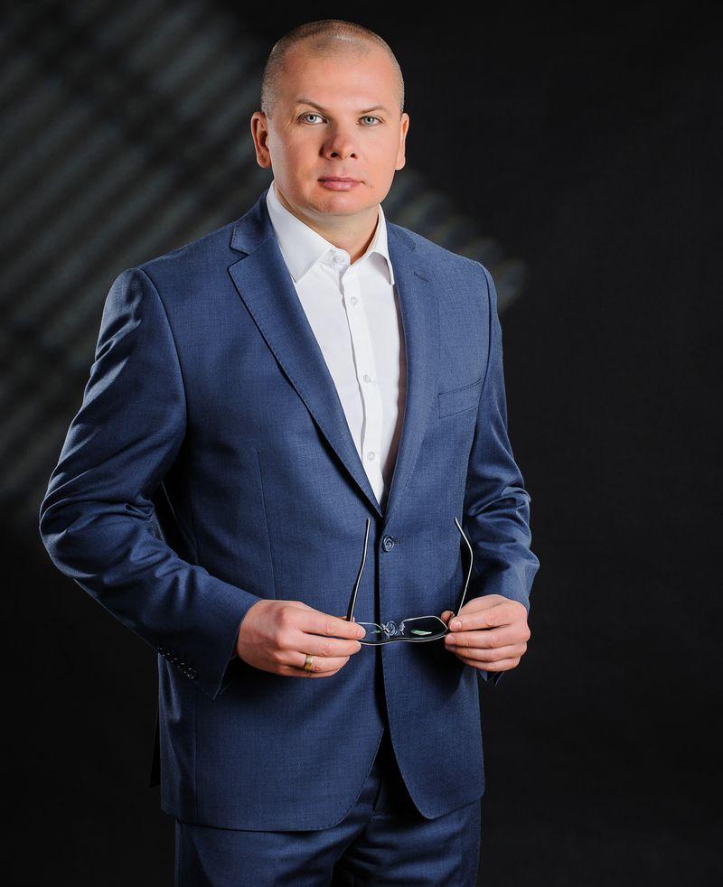 Artur Szyll z firmy VOTUM SA