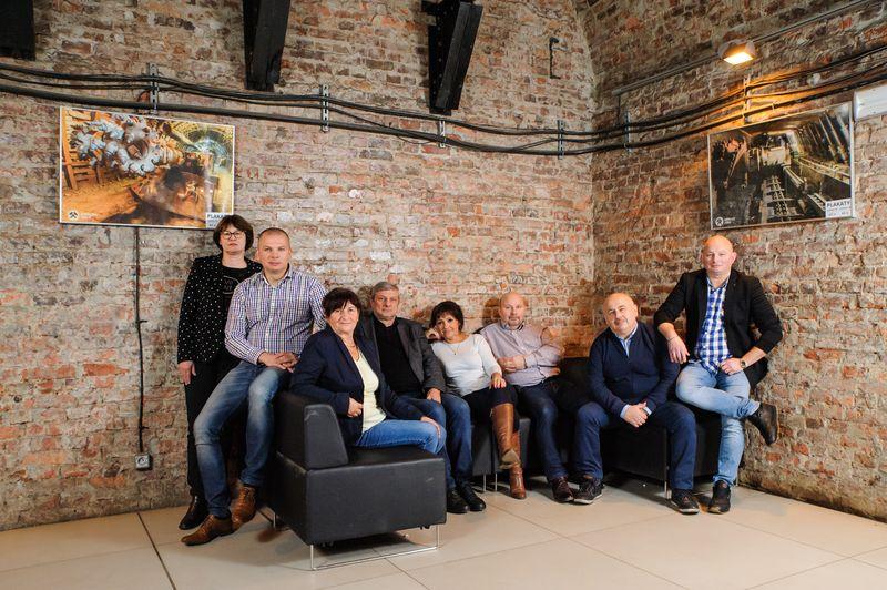 Artur Szyll ze współpracownikami i przyjaciółmi